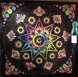Majestic Sedona by Nancy M. Howell, 2013 AZQG, photo by Quilt Inspiration